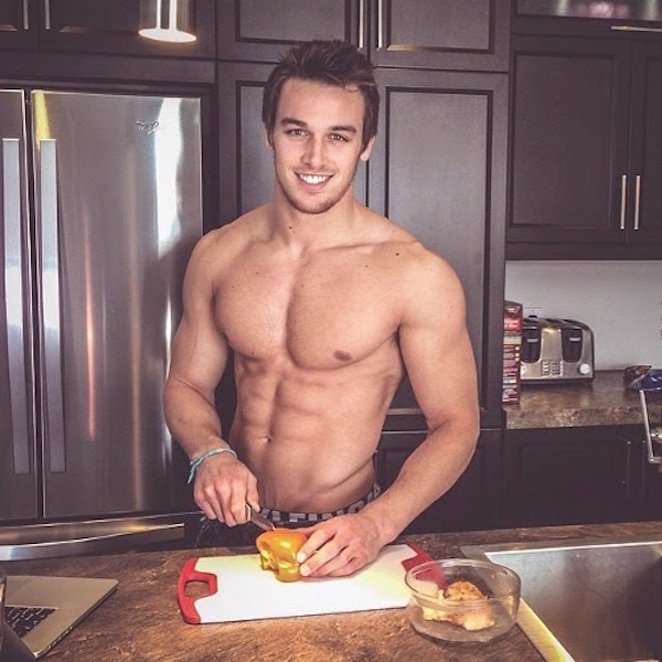 Hot-Guys-Cooking-EMGN2
